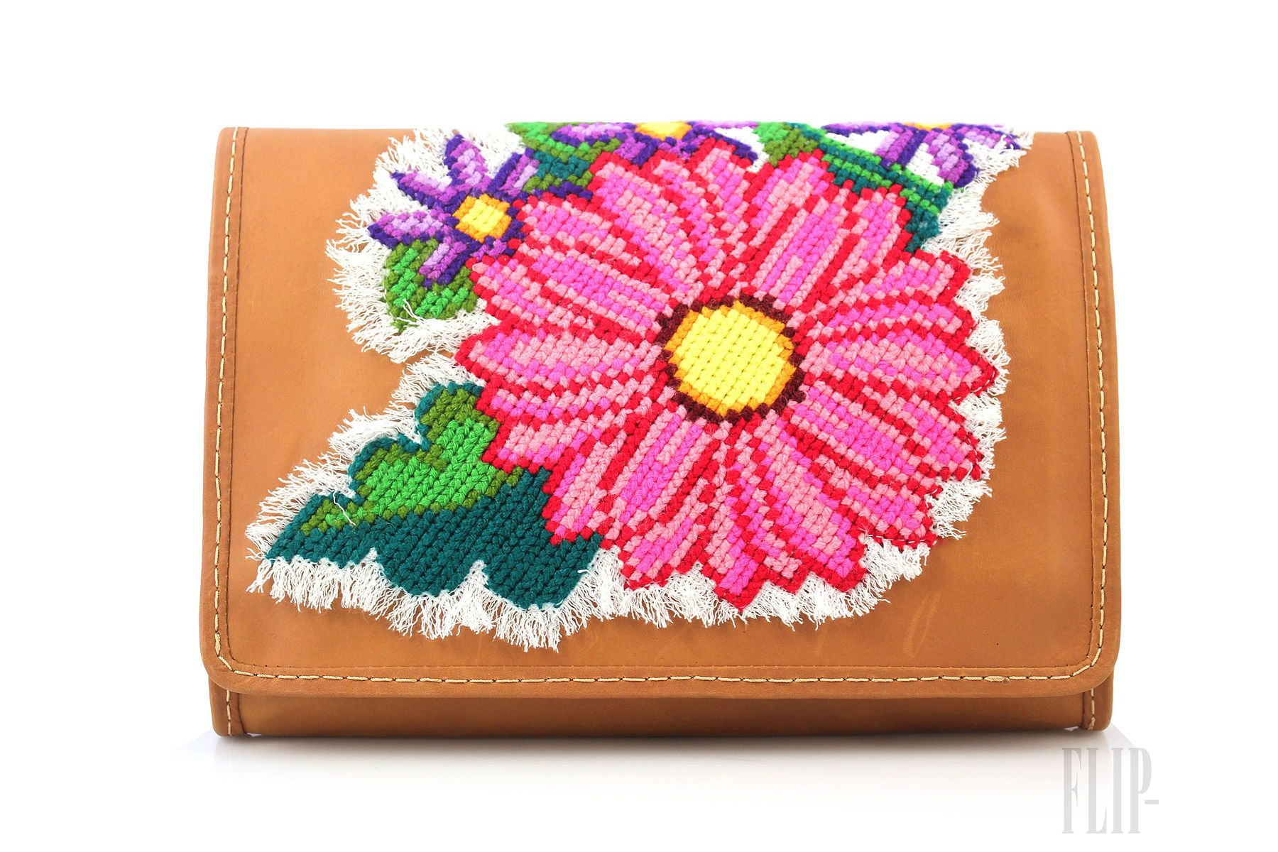 Sarah's Bag - Accessories - 'Mexico' capsule collection - http://www.flip-zone.net/fashion/accessories/bags/sarah-s-bag-4157