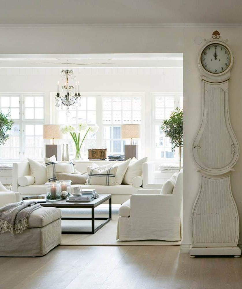 The little book of secrets living room vip - Salon de estar decoracion ...