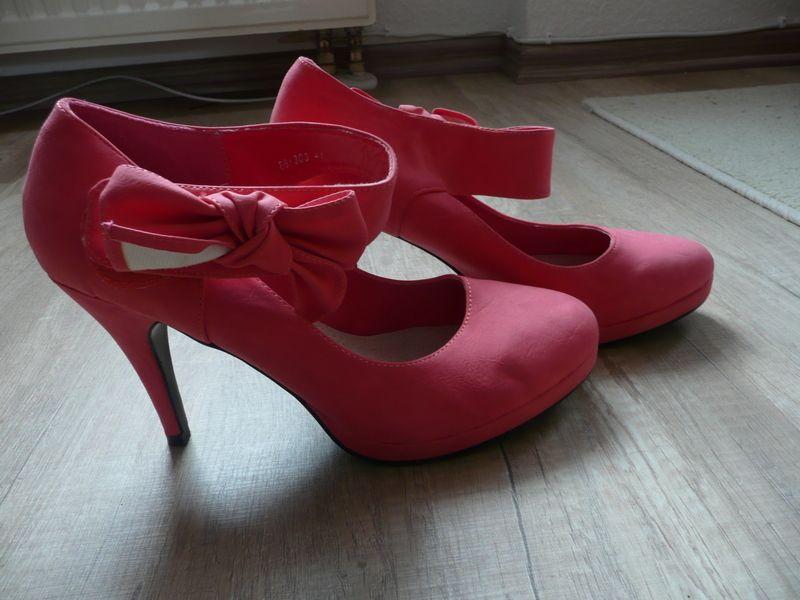 ba89a8c1331f8 Corallenfarbene High Heels von Anesia | kleiderkreisel :) | Hohe ...