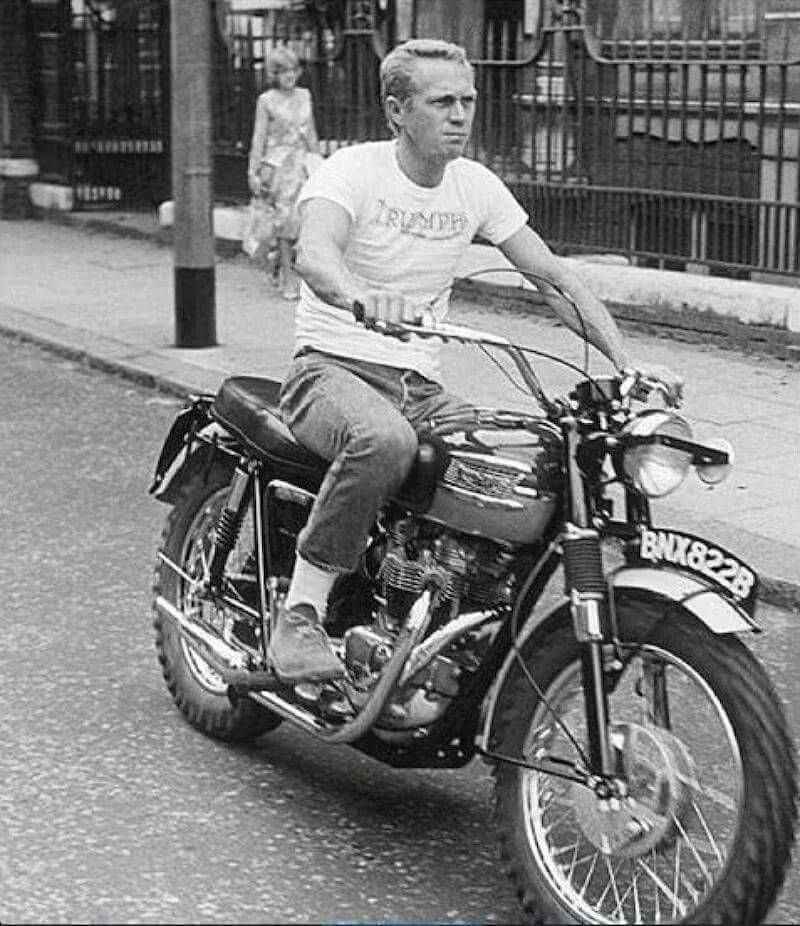 steve mcqueen celebrities motorcycles pinterest moto legende personnalit et meilleure. Black Bedroom Furniture Sets. Home Design Ideas