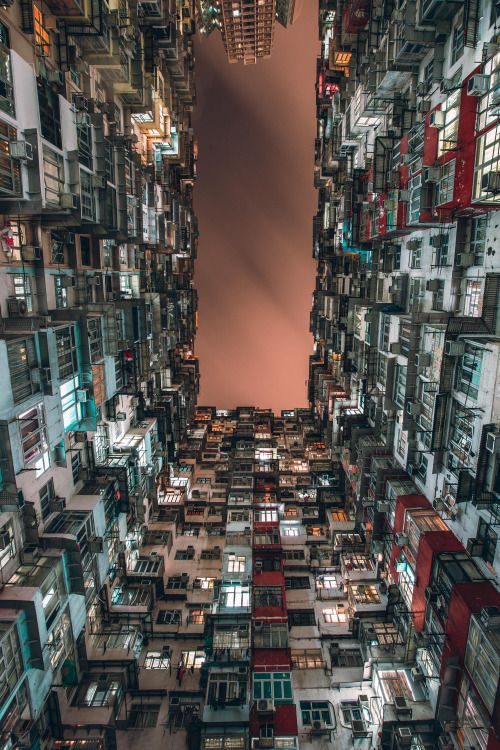 MICHAEL WOLF PHOTOGRAPHY Tokyo Compression Series Thought - Photographer captures madness real estate hong kong
