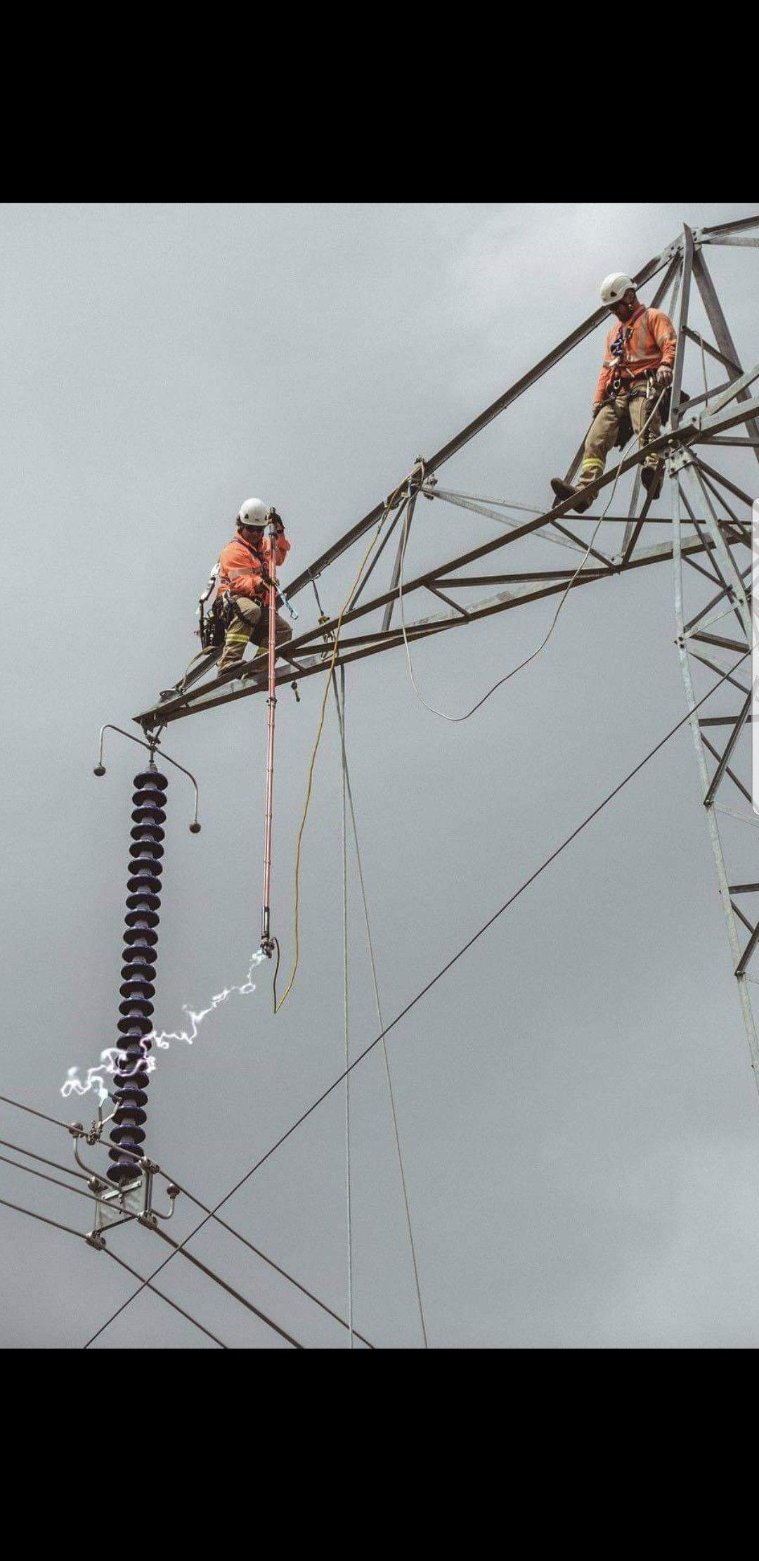 Pin By Line Tramp On Linework Dangerous Jobs Electrical Jobs Engineering Memes