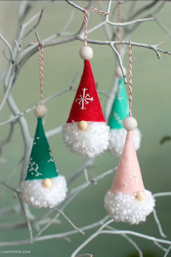 DIY Gnome Ornaments :: #christmascrafts #christmasornaments