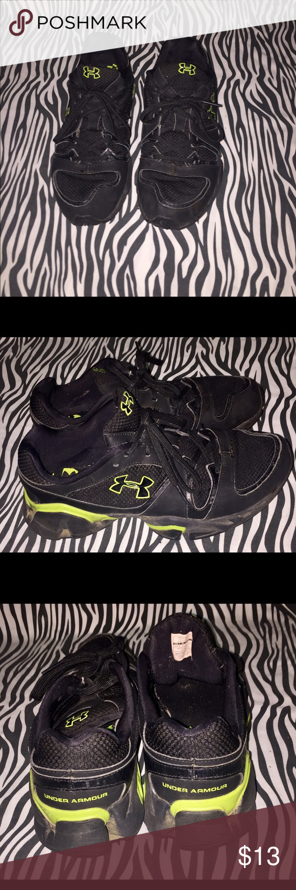 6.5y Under Armour Sneakers Black and Lime Green. Shoes have been washed and disinfected. Shoes of on the toes and bottoms are in good condition with a lot of grip. Under Armour Shoes Sneakers