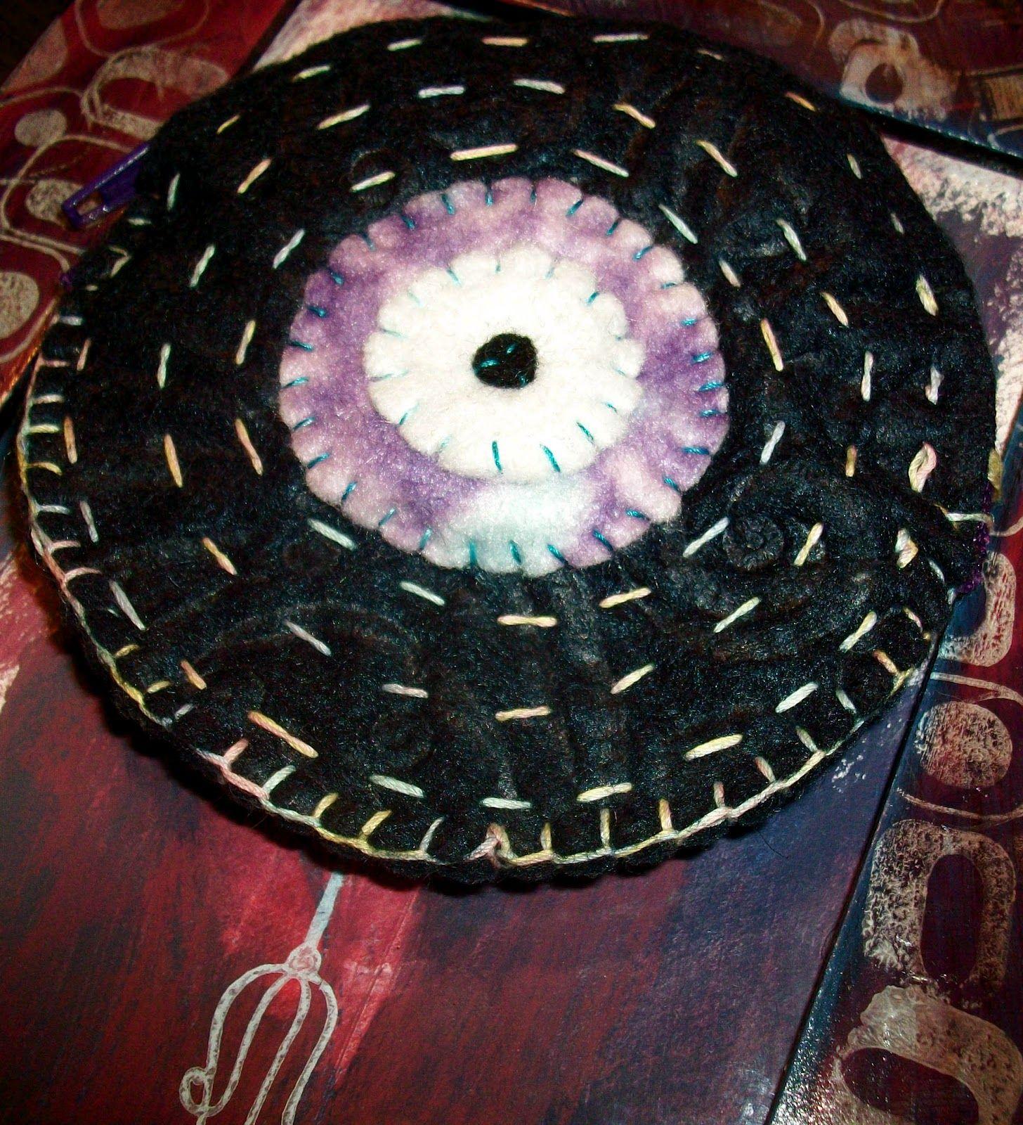VINTAGE LOVERS: Vinyl Coin Purse