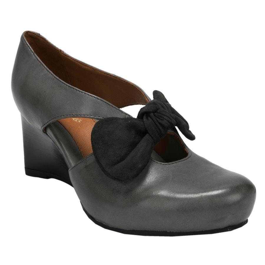 Earthies® Bristol Bowed Wedge #VonMaur   Crazy shoes
