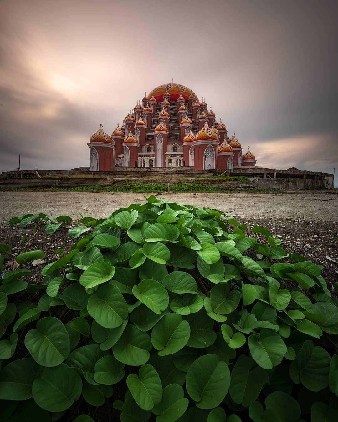 Chandra Indonesia On Instagram Masjid 99 Kubah Center Point Of Indonesia Loc Makasar Indonesia Join Greatshotz In 2020 Masjid Instagram Indonesia