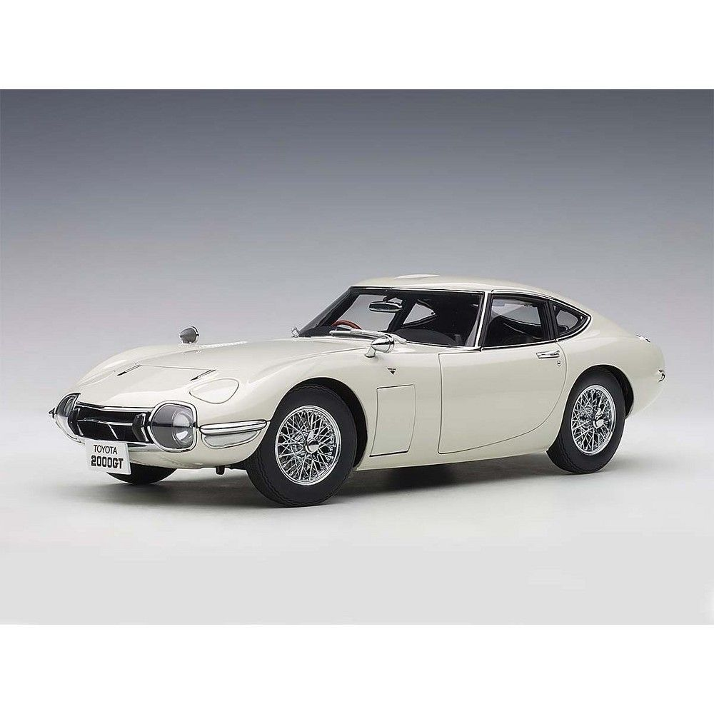 Toyota 2000GT Coupe White with Wire Spoke Wheels 1/18 Model Car by Autoart