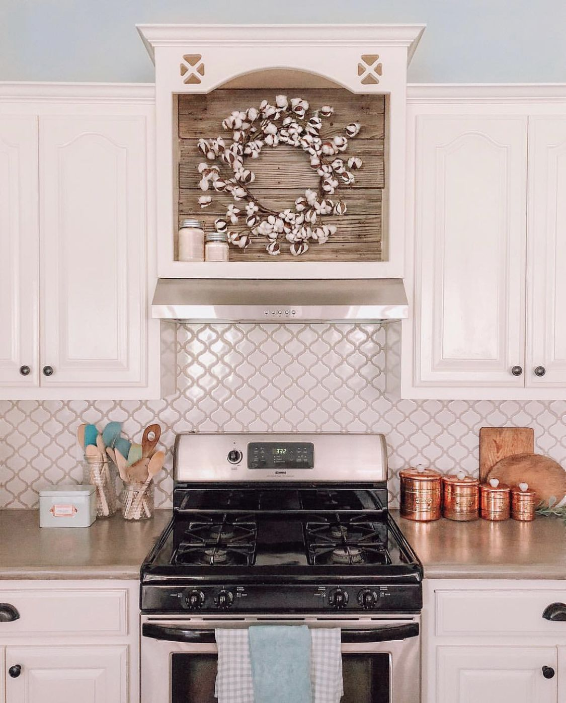 Cotton Wreath Above Stove In Farmhouse Kitchen Stove Decor Home Kitchens Kitchen Wall Decor