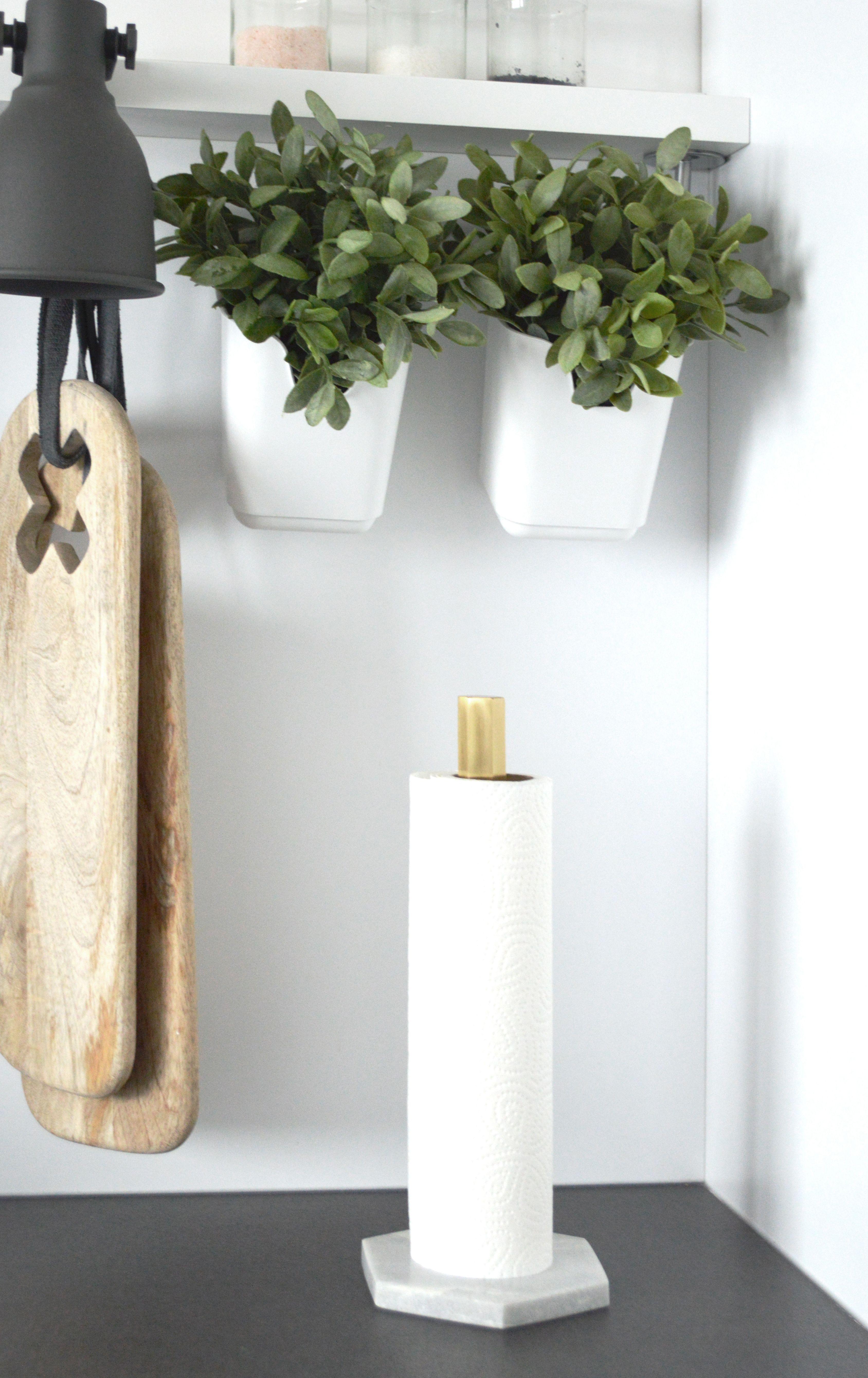 ferm Living - Hexagon Küchenrollenhalter | Küchenrollenhalter ...