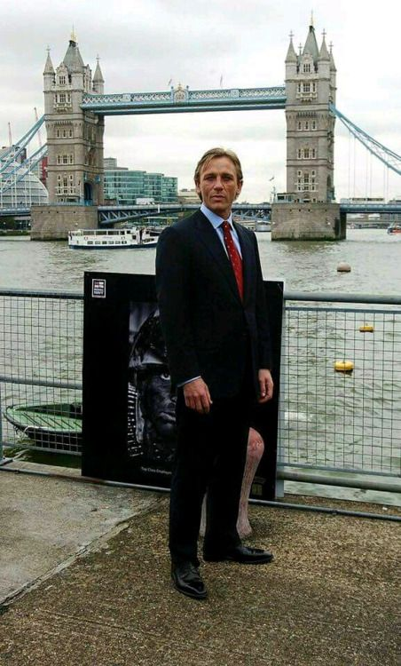 "f713e82e2c0 myoldiegentlemen  ""Daniel Craig ad James Bond "" ❤"
