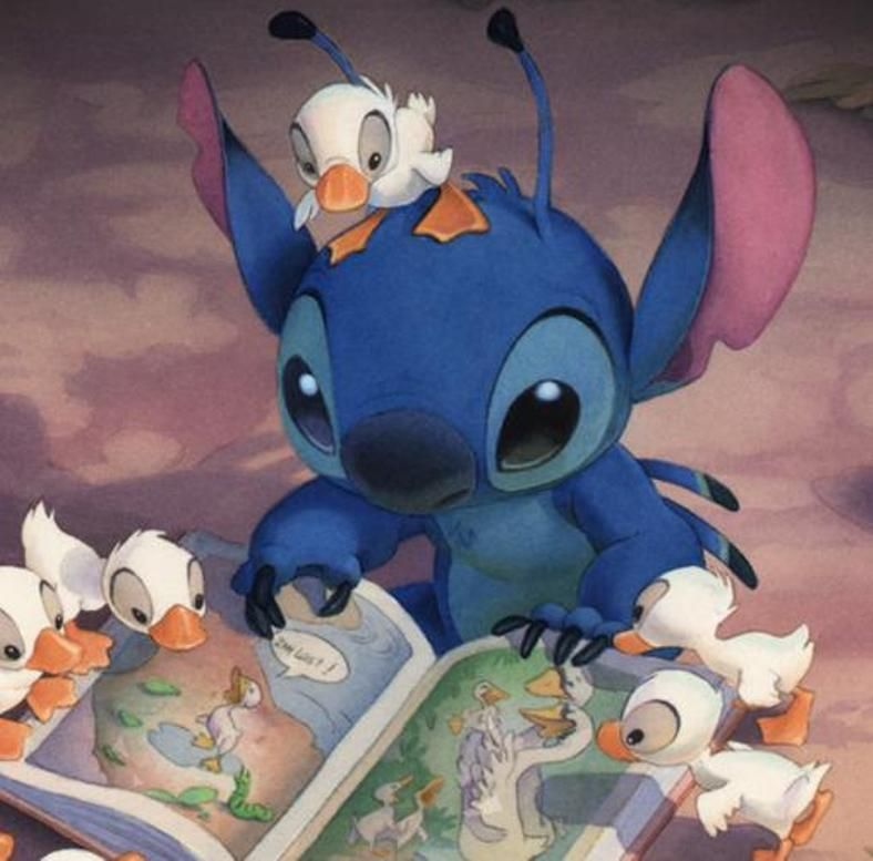 Stich... would make an awesome tattoo! I love me some stich! hint ...