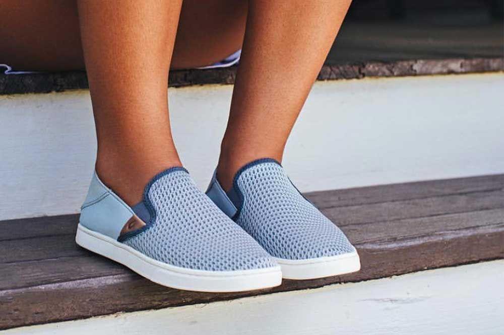 Travel shoes women