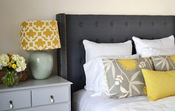 moderne schlafzimmer gestalten mit einem gepolstertem bett kopfteil_schlafzimmer dekorieren mit diy bett kopfteil blau und dekokissen - Do It Yourself Kopfteil Designs