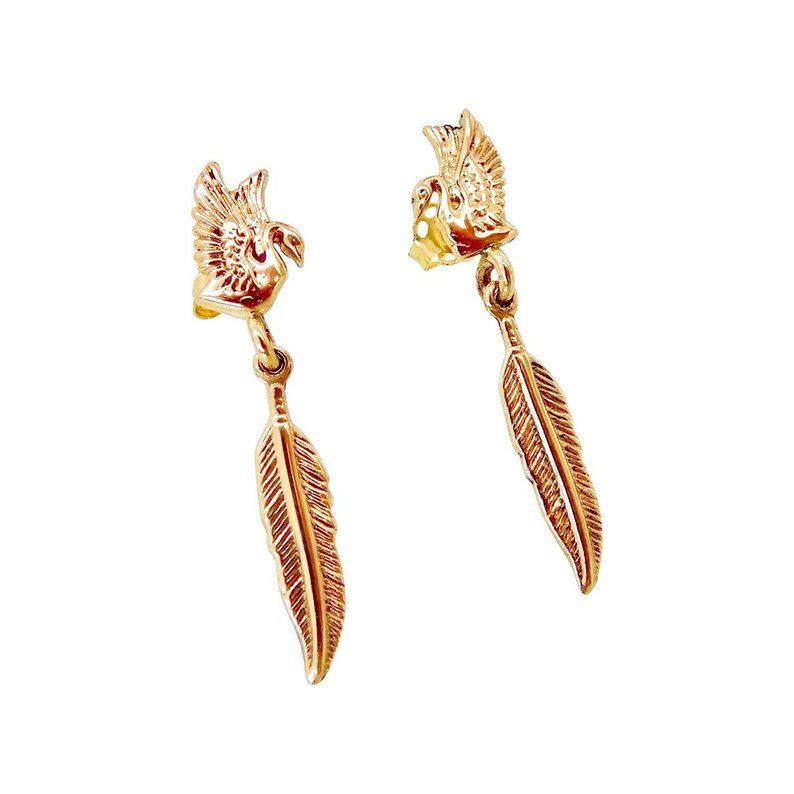 Gold Feather Studs Earrings Gold Birds Studs Earrings 14k Etsy Feather Stud Earrings Tiny Stud Earrings Gold Earrings Studs