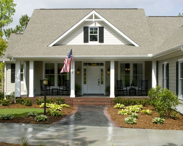 2 000 square feet southern living house plans for Southern homes with porches