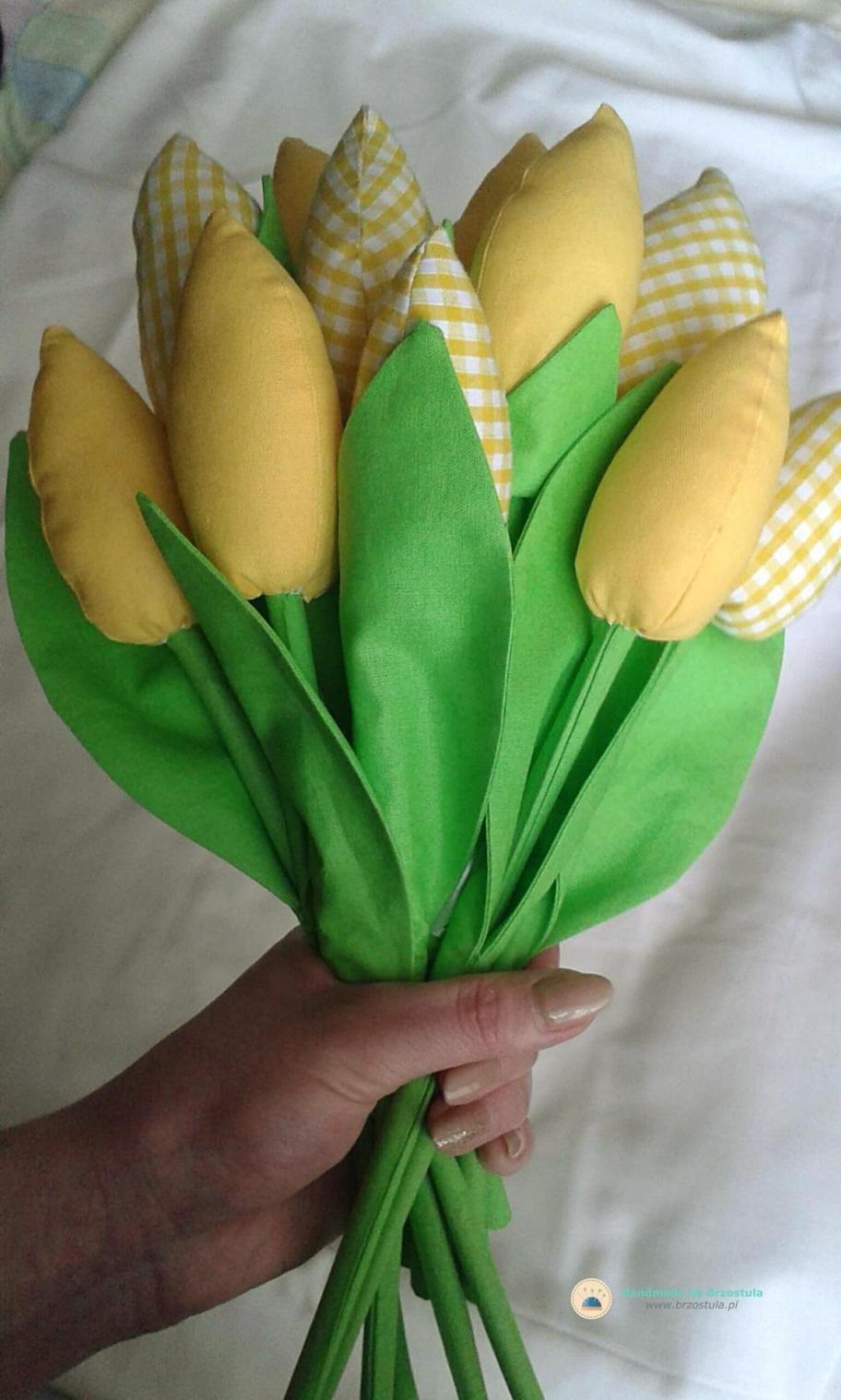 Tulipany Z Materialu Brzostula Fabric Flowers Holiday Crafts Tulips