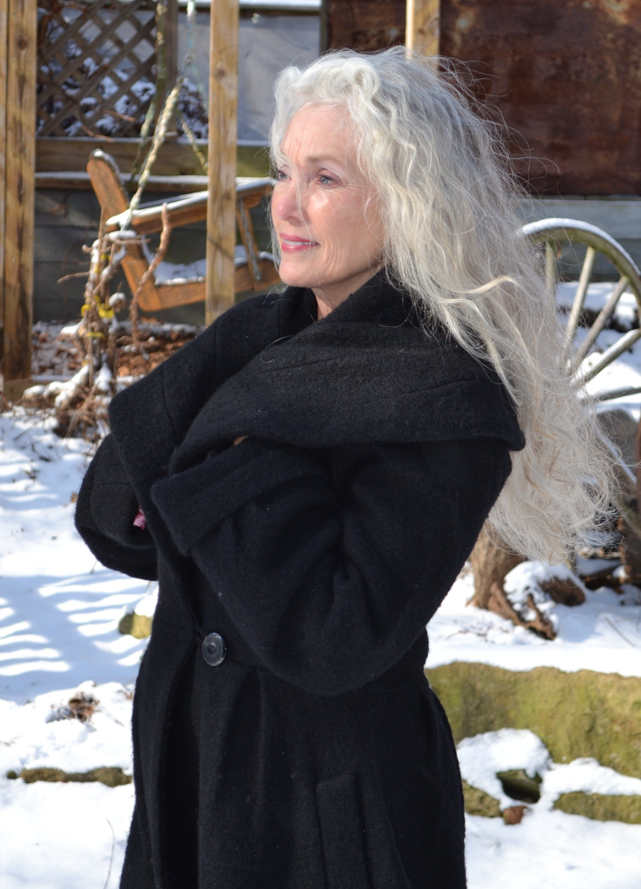 ALL BRAVE WOMEN OVER 60Let your hair grow white and