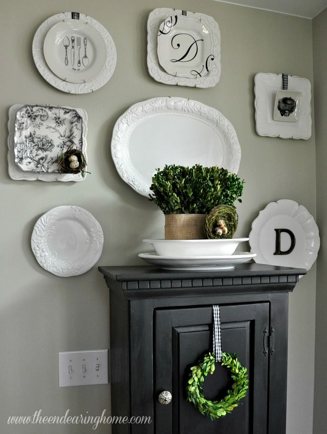 decorating with plates the endearing home accessorizing rooms pinterest decorating. Black Bedroom Furniture Sets. Home Design Ideas