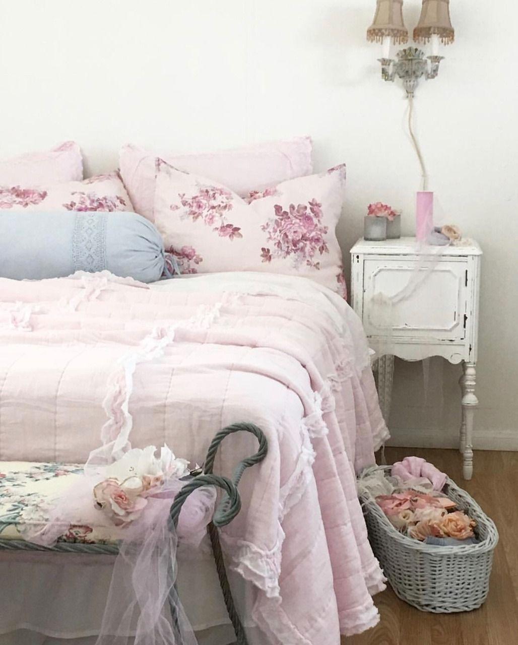 Chambre Style Shabby Romantique Épinglé par anne sur déco | chambre romantique, deco, interieur