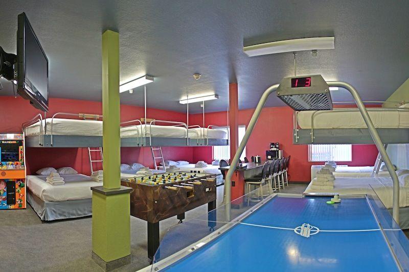 Located In Eau Claire Wi The Metropolis Resort Locker