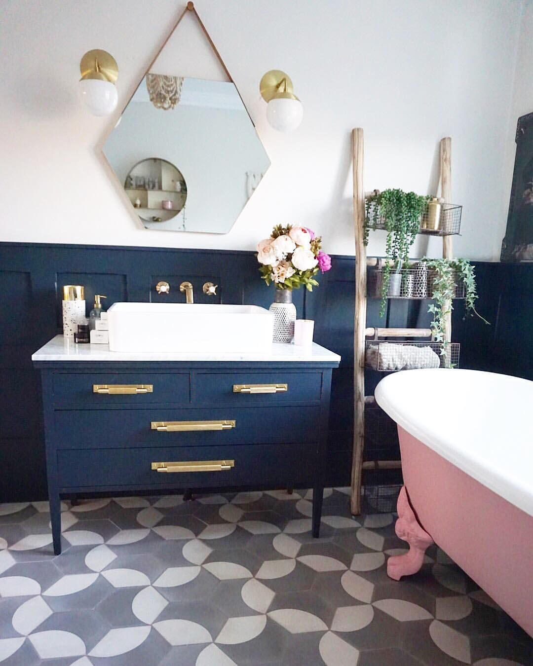 Retro bathroom with pink bear claw tub and gold fixtures | Home ...
