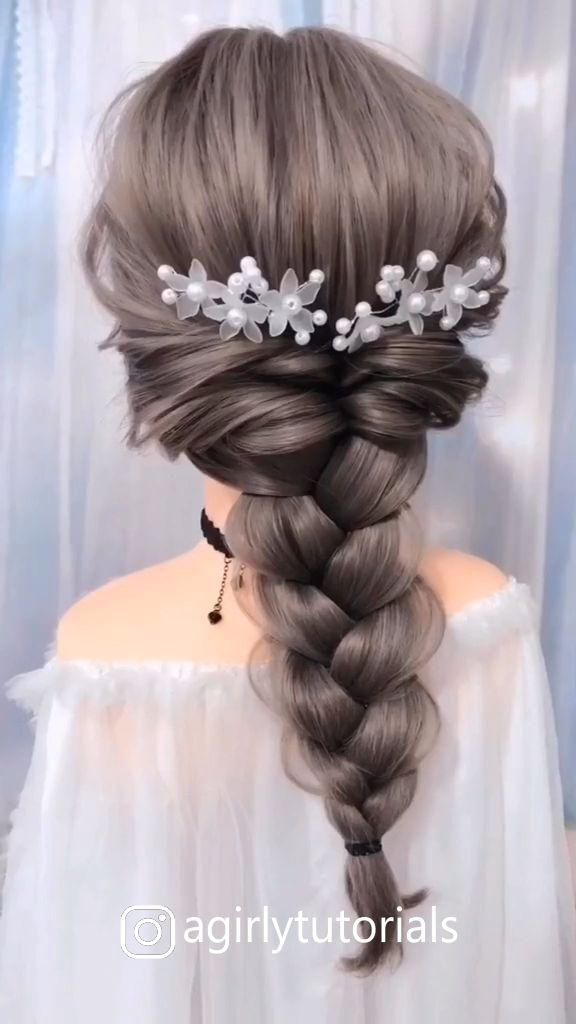 10+ Beautiful Unique Hairstyle for Long Hair Part