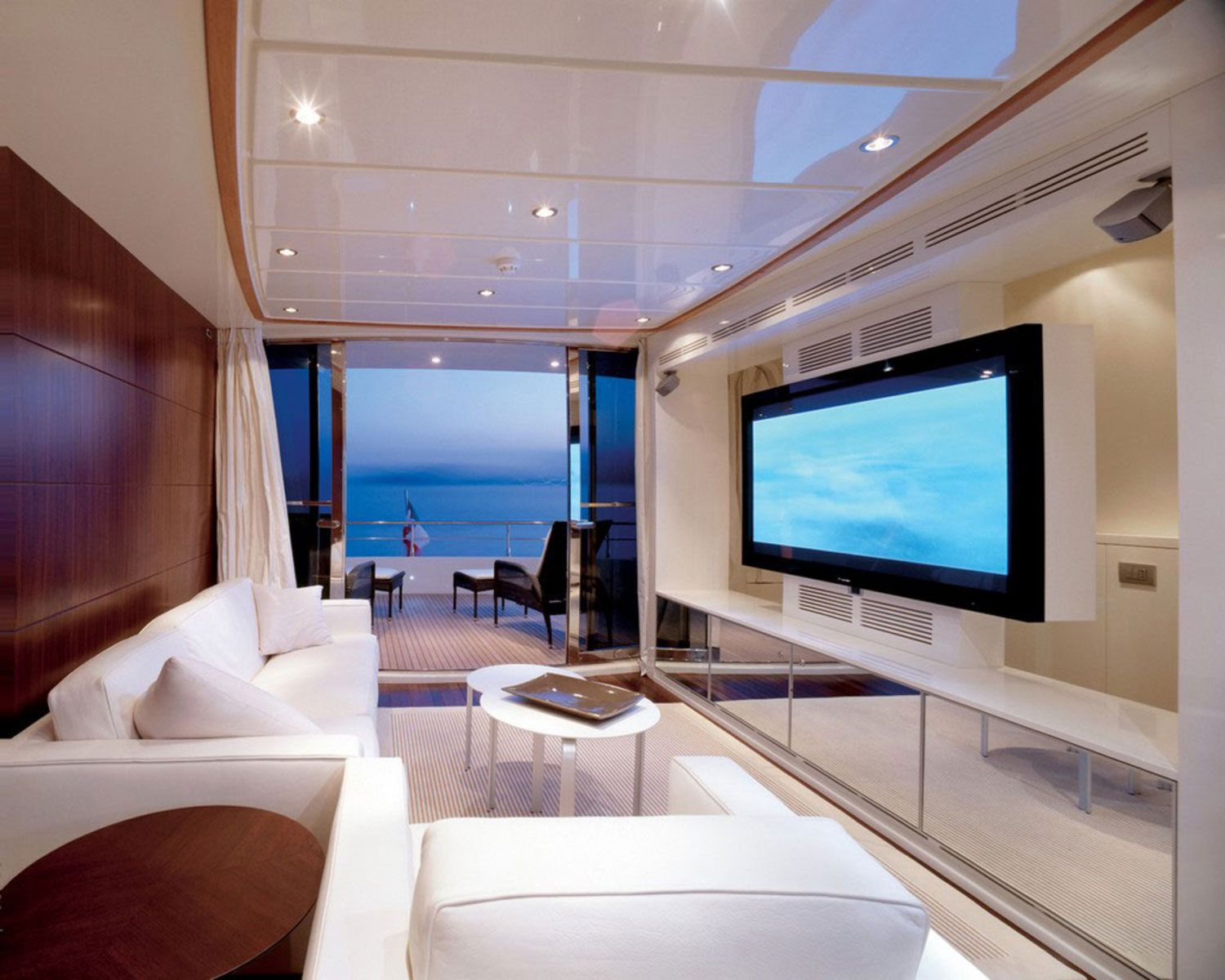 Room · Huge Wall Embedded Tv Idea And Classy Living ...