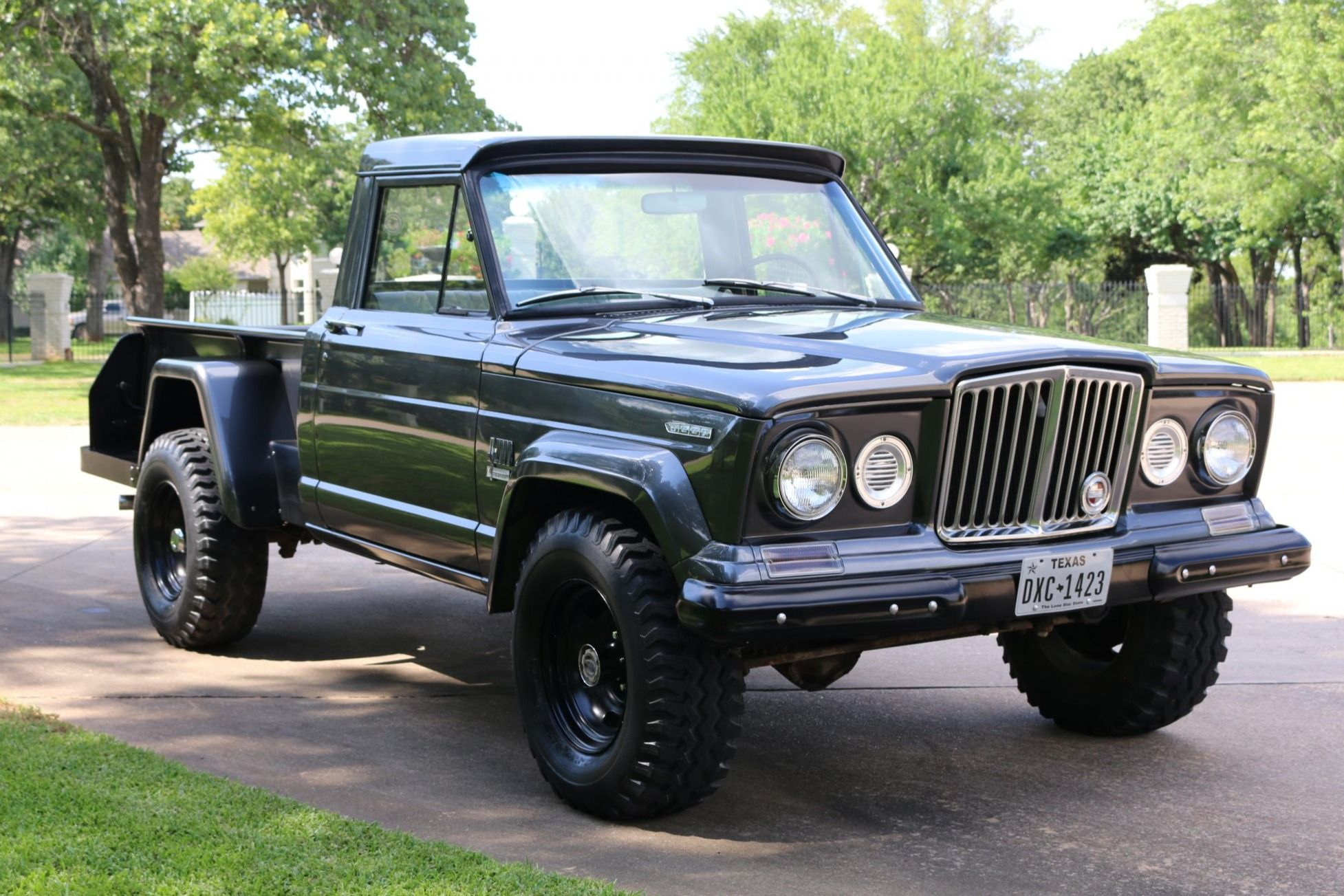1969 Jeep Gladiator Thriftside 4x4 in 2020 Jeep
