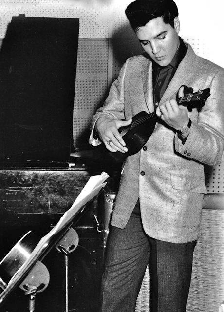 """The King played uke - the """"young"""" king mmmmmmmmmmmmmm"""