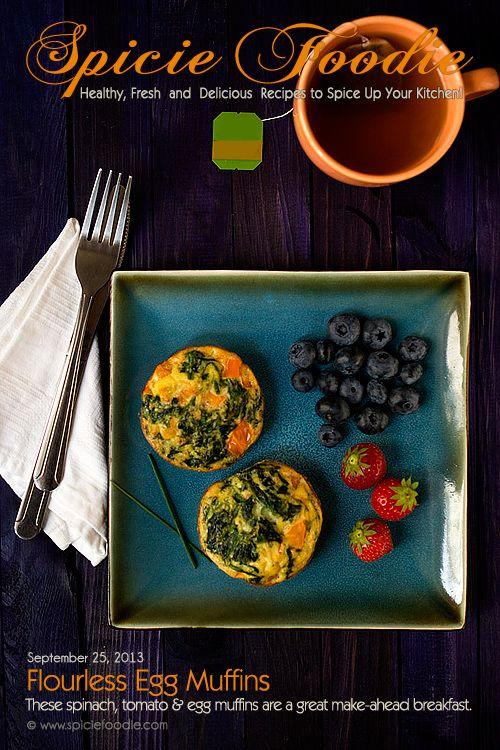Flourless Spinach and Tomato Egg Muffins Recipe by @SpicieFoodie | #spinach #tomato #eggs #muffins #glutenfree