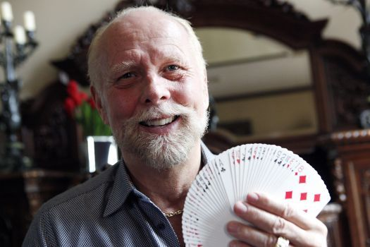 This guy became the world's greatest card magician despite one monumental challenge   http://spiritbath.com/2014/10/14/guy-worlds-greatest-card-magician-monumental-challenge/