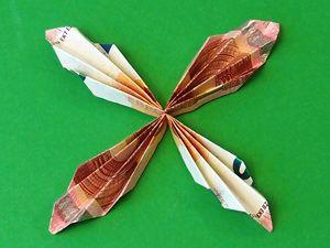 Geldgeschenke Als Schmetterlinge Basteln Gestalten Geld Schmetterling Hochzeit Geschenk Geld Geld Falten Schmetterling