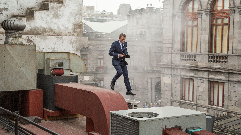 James Bond 007 Spectre 2015 Ganzer Film Deutsch Komplett Kino James Bond Erhalt Eine Kryptische Nachricht Aus Seine James Bond Movies James Bond Daniel Craig