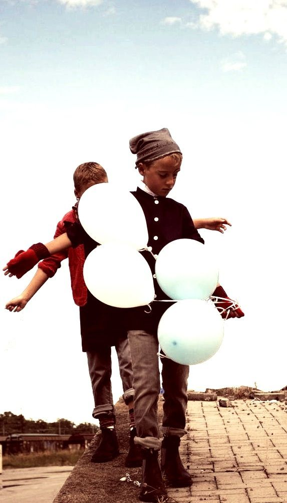 ME, MY BROTHER, MY BALLONS, MY OUT-FIT AND.. MY T.RICICLO®!  #triciclo #kidfashion #spring #trendsetter #kids  http://www.triciclo.biz/