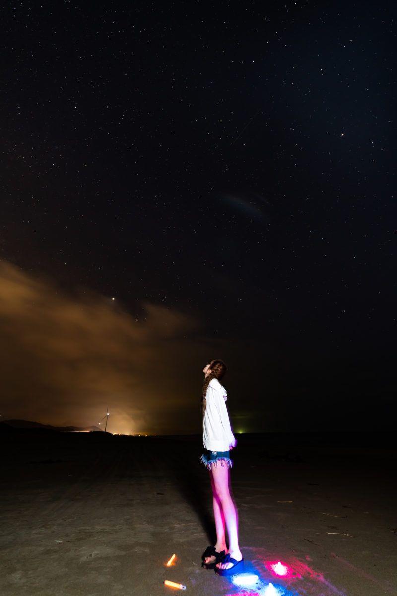 星空ポートレート 星空 海水浴場 雲