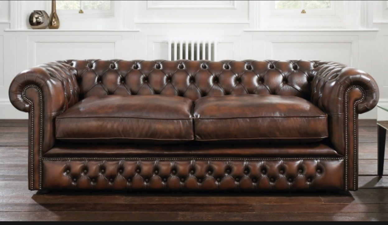 Distinctive Chesterfields Full Range Of Leather Sofas Choose From All The Original Chesterfield Sofa Designs And Colours Or Simply Let Us Know Your