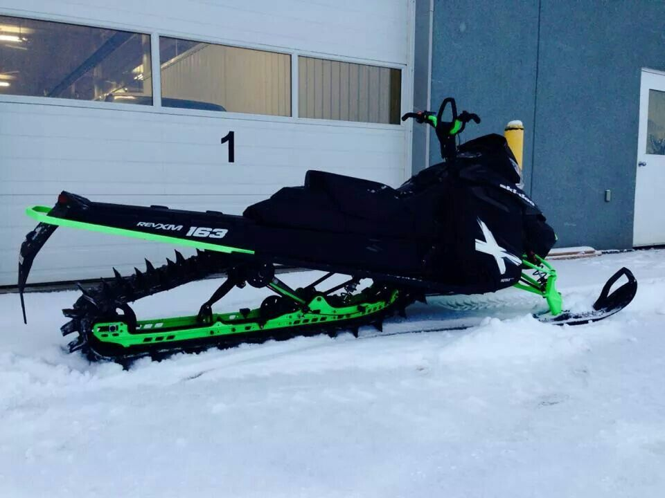 Bold ' Polaris snowmobile, Snowmobile, Snow machine