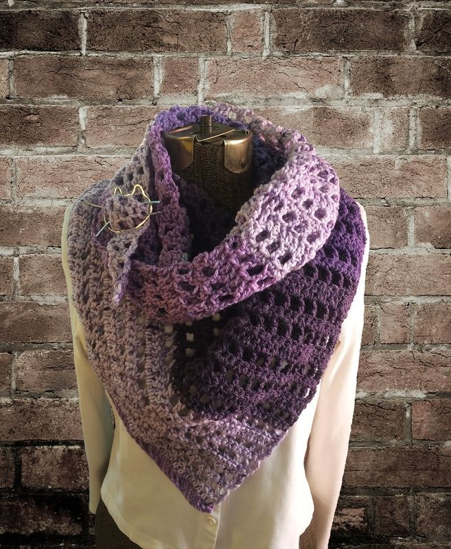 free pattern-crochet- darkhumorgirl.com | Um den Hals gewickelt ...