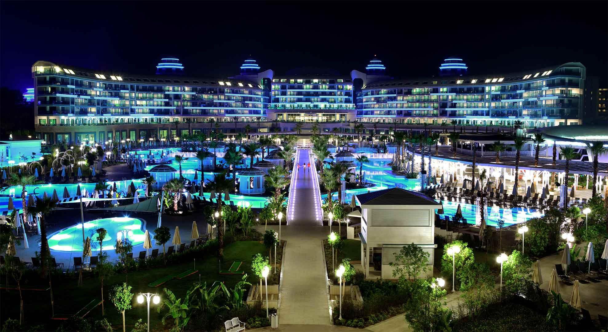 Choose Sueno Deluxe Hotel For The Wedding Hotel In 2020 Hotels In Turkey Hotel Deluxe Turkey Hotels