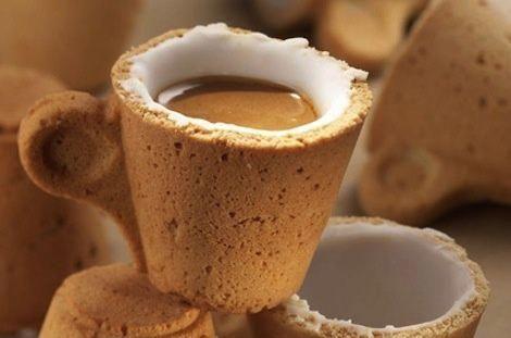 Besser als eine wiederverwendbare Kaffeetasse: Eine essbare Kaffeetasse aus einem Keks   - Food and Drink -