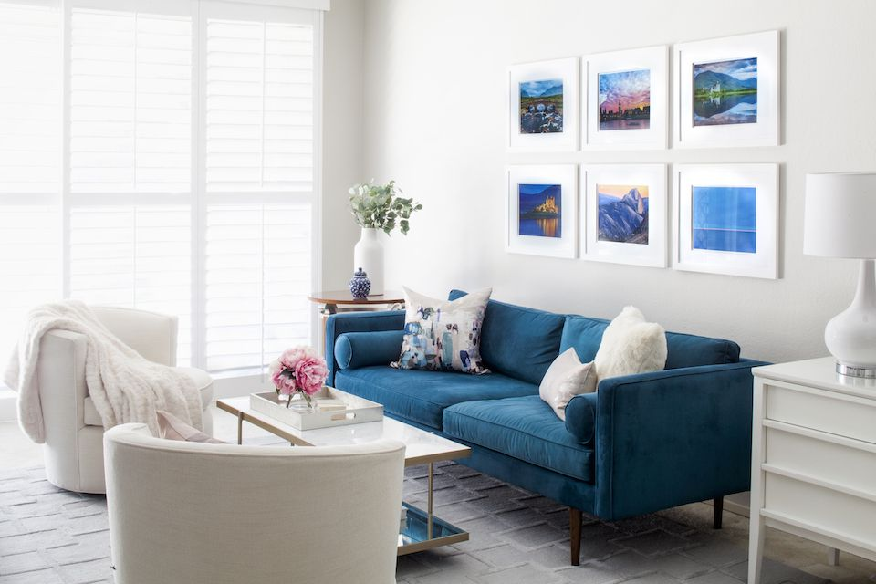Blue And White Modern Glam Living Room With Velvet Sofa Teal Couch Living Room Modern Furniture Living Room Velvet Sofa Living Room