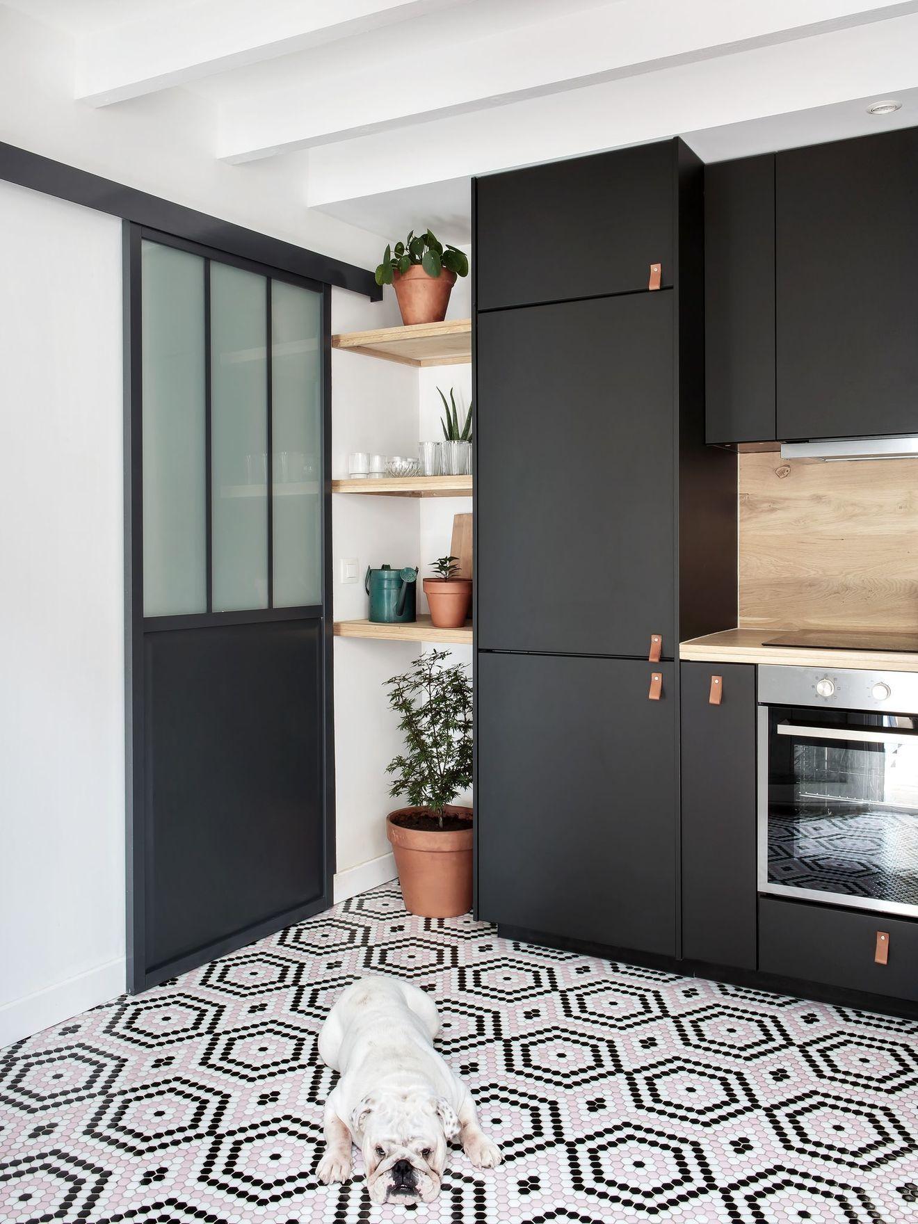 Küchenschrank ideen kleine küchen maison valduoise  rénovation entrée et cuisine pour famille