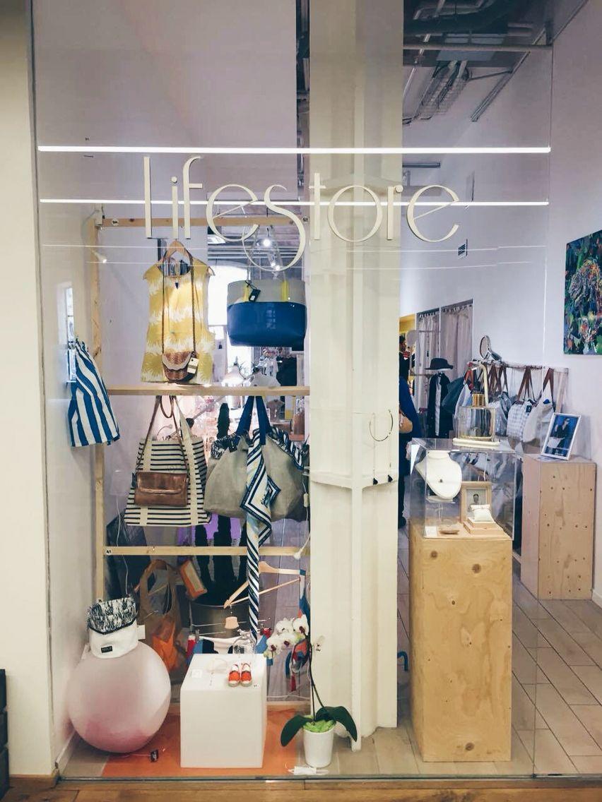 Boutique marseillaise de créateurs ... Docks village  lifestore  bijoux   mode   2203536d0c7b