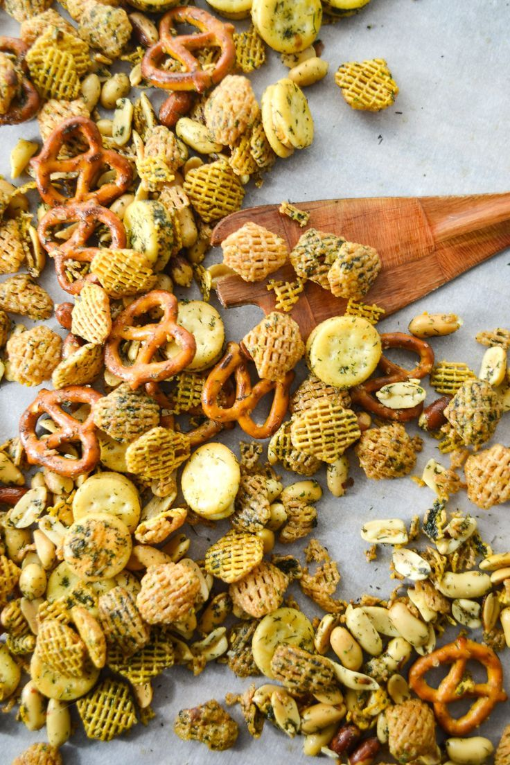 Highly Addictive Dill and Ranch Christmas Eve Snack Mix – Nosh City
