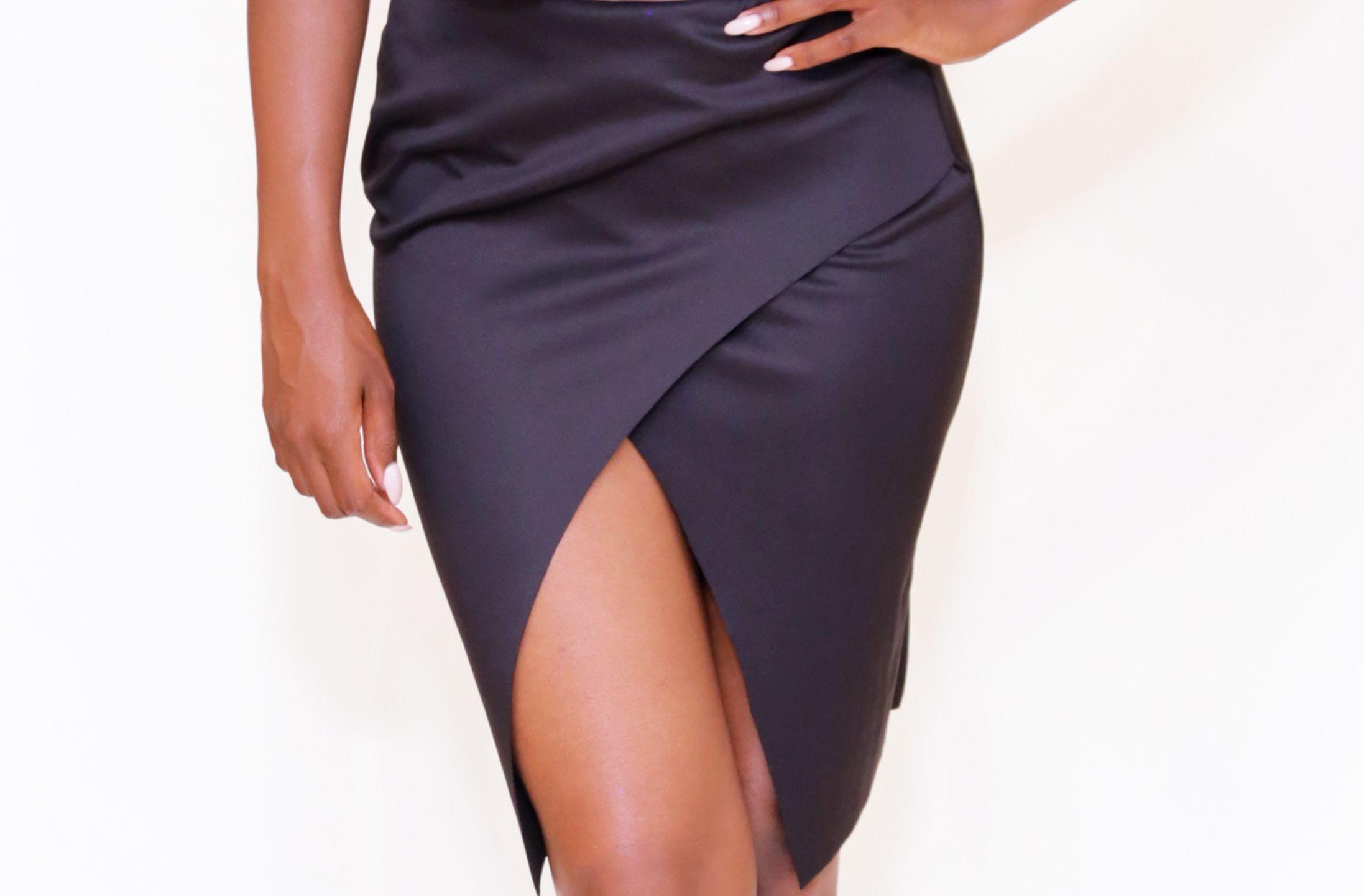 Black scuba skirt http://www.bbaptisteboutique.com/bottoms/black-scuba-skirt
