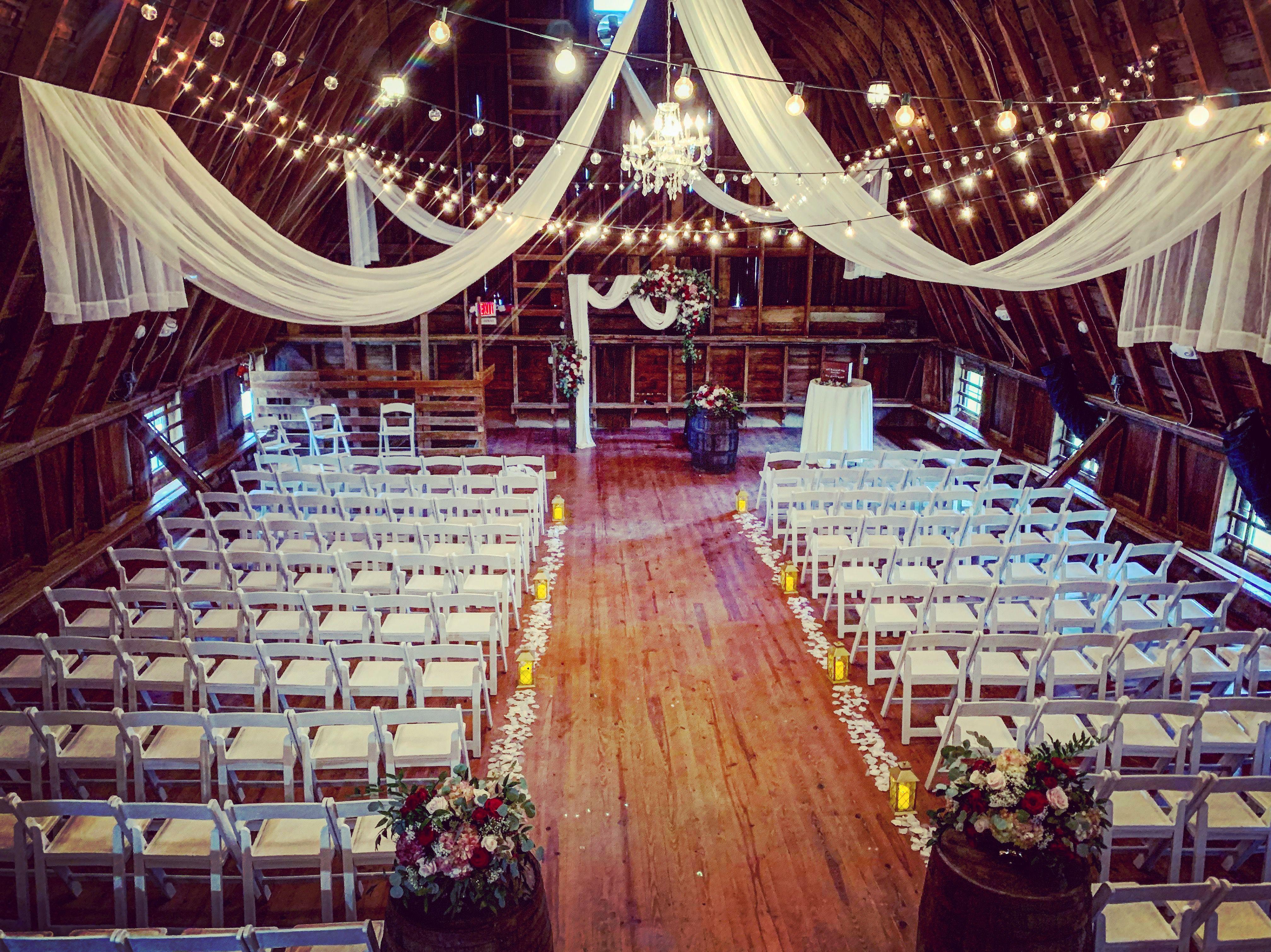 Hilltop Manor Inn Barn Venue in Southern MI.   Michigan ...