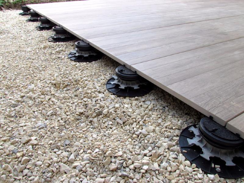 Plot Pour Dalles Autonivelant Ra C Glable 65 95 Mm Carra France Holzterrasse Terrasse Planen Terrassen Deko
