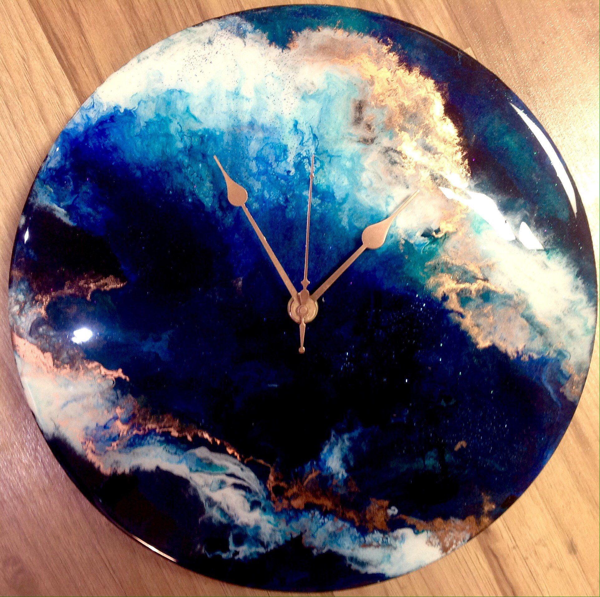 Resin Art Clock Painting In Deep Blue White And Copper On A Etsy Resin Art Painting Clock Painting Resin Art