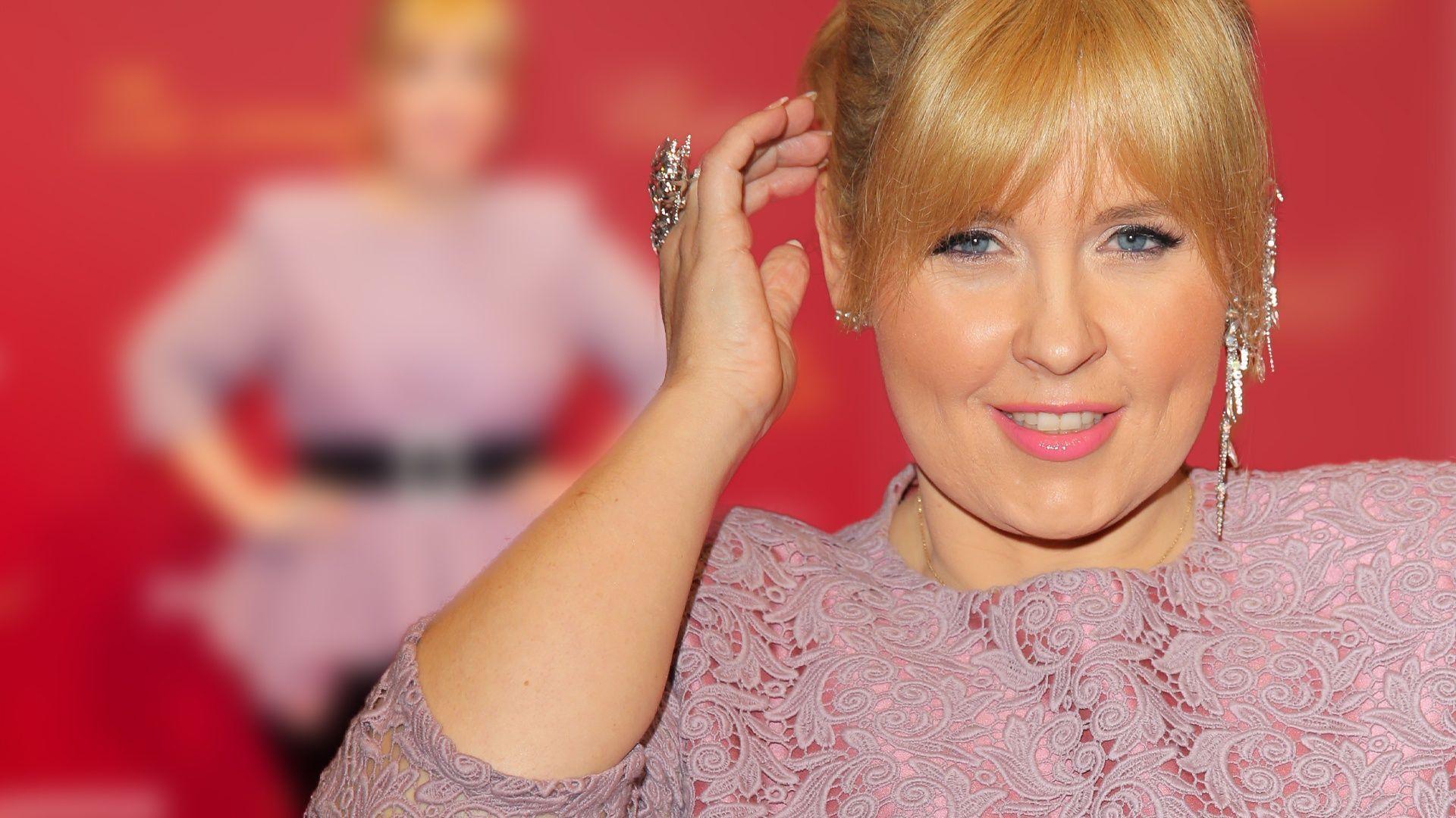 Maite Kelly In Rosa Spitze Auf Dem Roten Teppich Maite Kelly Hubsche Blondine Mode